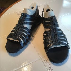 New 12M Aerosoles Strappy Black Sandals.